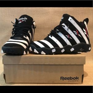 b4b4818d632 Reebok Shoes - 🌟 Reebok Tech 90s Trainers🌟